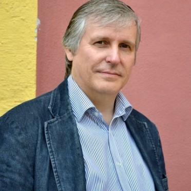"""Richard Bartle em 2011. Além de ser co-criador de MUD, também é autor do livro seminal """"Designing Virtual Worlds"""" (2003)."""